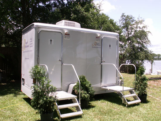 Royal Restrooms Phoenix Arizona Portable Restrooms And Showers